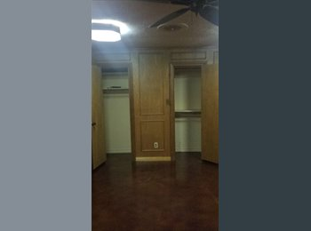 EasyRoommate US - Homeowner w/ room to rent - East Dallas, Dallas - $800 pcm