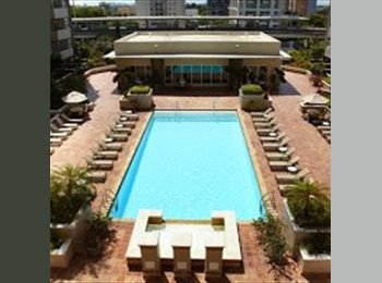 EasyRoommate US - Looking for a Roommate - Brickell Avenue, Miami - $1,300 pcm