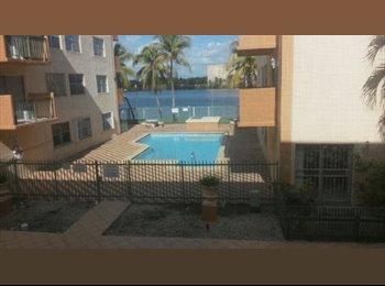 EasyRoommate US - Mayra Room - West Miami, Miami - $550 /mo