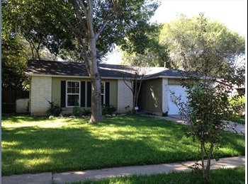 EasyRoommate US - Great house to share in S Austin - South Austin, Austin - $650 pcm