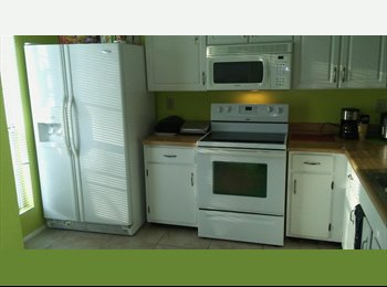 $425 Room For Rent - Near CCT Bus Stop