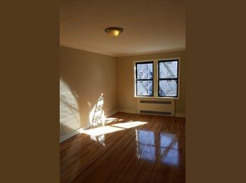 EasyRoommate US - Modern 3 Bedroom - Crown Heights, New York City - $1,000 /mo