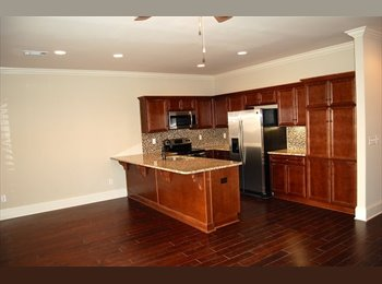 EasyRoommate US - Seeking 2 roomates, Town home 2 min away from UA - Tuscaloosa, Tuscaloosa - $600 pcm