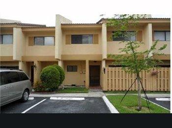 EasyRoommate US - Cool Roommate needed - Sunrise, Ft Lauderdale Area - $675 pcm