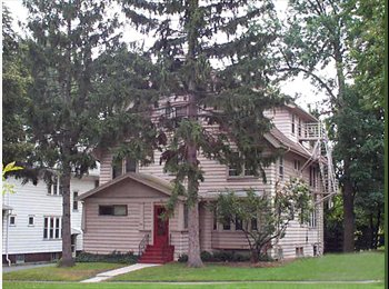 EasyRoommate US - Spacious Room For Rent - Maplewood, Rochester - $340 pcm