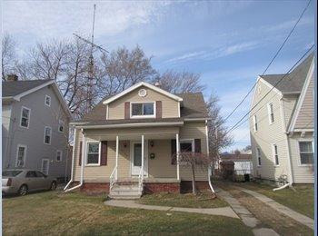 EasyRoommate US - 4Bedroom 2Bathroom house for rent Urgently - Toledo, Toledo - $800 pcm