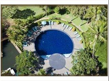 Top building WaikikiOcean Fireworks Pool RecDeck 3bd/2ba...