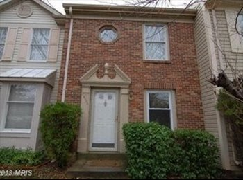EasyRoommate US - Rooms for rent in lovely townhouse by the lake - Germantown, Other-Maryland - $650 /mo