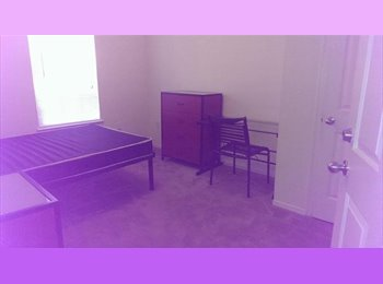 EasyRoommate US - Summer A and/or B University Club Sublease $450/m - Ocala, Gainesville - $450 pcm