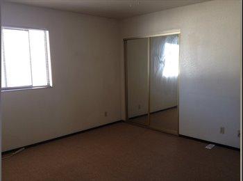 EasyRoommate US - Hayward Townhouse Bart Accessible - Hayward, San Jose Area - $800 pcm