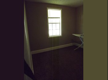 EasyRoommate US - Largest Bedroom for Rent in Cute, Crooked House - Springfield, Springfield - $350 pcm