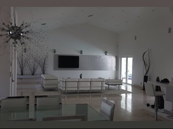 EasyRoommate US - Chralis - Delray Beach, Ft Lauderdale Area - $900 pcm