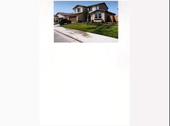 EasyRoommate US - LIVING RM/BEDROOM/PRIVATE BATH IN BRAND NEW HOUSE - Sunnyside, Fresno - $700 pcm