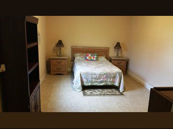 EasyRoommate US - Large Room - Boca Raton, Ft Lauderdale Area - $650 pcm