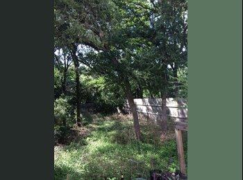 EasyRoommate US - ROOM AVAILABLE IN DUPLEX *NICE NEIGHBORHOOD* - San Marcos, San Marcos - $400 pcm