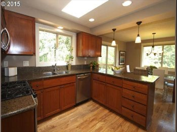 4bed/3ba West Linn house, 1 room available