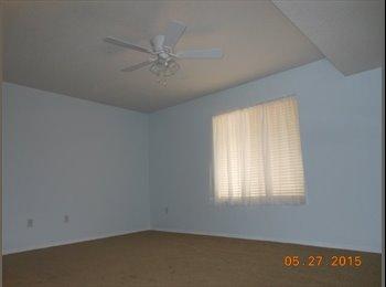 EasyRoommate US - Respectful Fem to rent large bedroom/ private bath - Northwest Quadrant, Albuquerque - $575 pcm