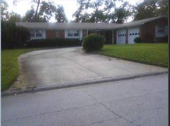 EasyRoommate US - golden girl - Greater Arlington, Jacksonville - $600 /mo