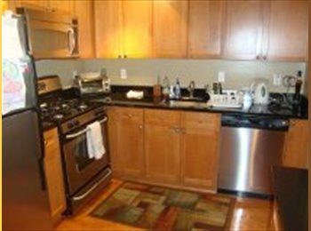 EasyRoommate US - Spacious and Stylish One - Tower District, Fresno - $550 pcm