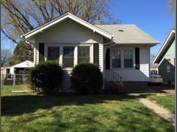 EasyRoommate US - Room available in charming home in Merriam Park - St Paul West, Minneapolis / St Paul - $600 pcm