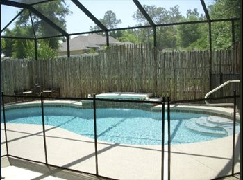 EasyRoommate US - Beautiful Pool Home - Gainesville, Gainesville - $1,000 pcm