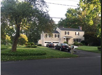 EasyRoommate US - BEAUTIFUL HOUSE SHARE IN OLD GREENWICH - Stamford, Stamford Area - $1,300 /mo