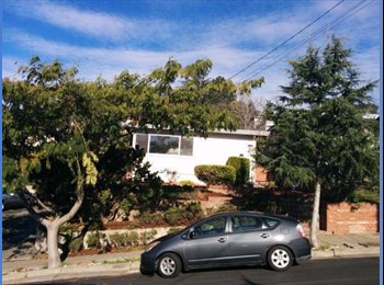EasyRoommate US - Room in picturesque neighborhood available - Downtown Oakland, Oakland Area - $1,290 pcm