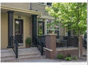 EasyRoommate US - Beautiful townhouse to share - Calhoun-Isles, Minneapolis / St Paul - $950 pcm