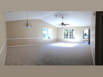 EasyRoommate US - Comfortable Home in Family Neighborhood - Panama City, Tallahassee - $600 pcm