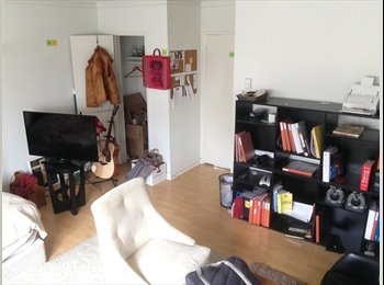Female Roomate wanted for master bedroom