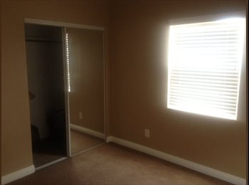EasyRoommate US - Natl City unfurnished room for rent $500! - City Heights, San Diego - $500 pcm