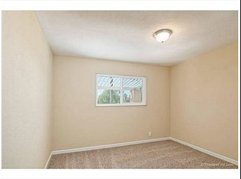 EasyRoommate US - Looking for the right fit - Clairemont Mesa, San Diego - $875 pcm