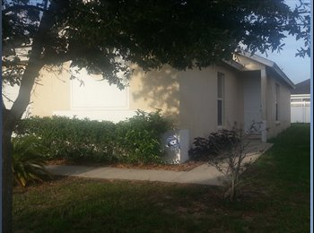Ruskin SF home room to rent