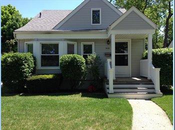 EasyRoommate US - Cute house looking for renter!  - Royal Oak & Vicinity, Detroit Area - $400 pcm