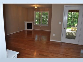 Large Private Room and Bathroom - Near Annapolis