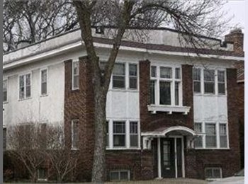 EasyRoommate US - 2-bedroom apartment in uptown Minneapolis - Calhoun-Isles, Minneapolis / St Paul - $600 pcm