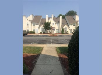 2 Bedroom Townhouse close to Ft Eustis Room for Rent