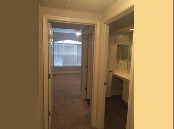 EasyRoommate US - Young Professional looking for room mate! - Sandy Springs / Dunwoody, Atlanta - $1,000 pcm