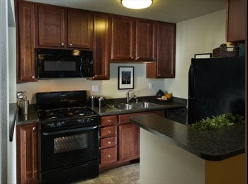 EasyRoommate US - Shared Room Across CSUF - girls - Fullerton, Orange County - $320 pcm