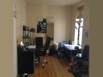 1br available in 3bdr. Great location