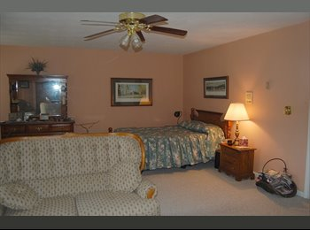 EasyRoommate US - Furnished Master Bedroom Steps from Bay - Lynnhaven, Virginia Beach - $725 pcm