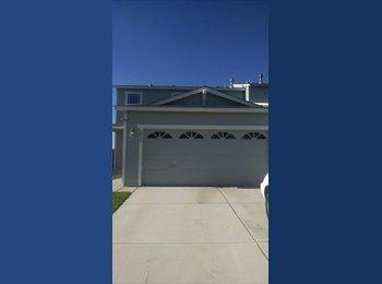 EasyRoommate US - Recent UNR Graduate looking for roommates! - Plumas, Reno - $550 /mo