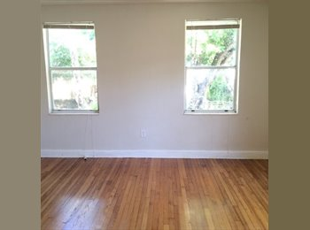 EasyRoommate US - 2 bed 1 bath apt for rent - Henderson, Other-Kentucky - $2,100 /mo