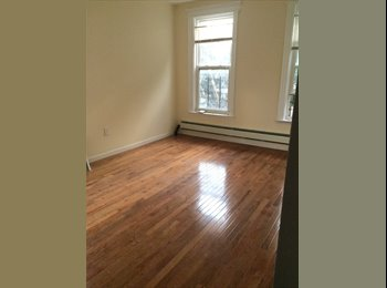 EasyRoommate US -  1 Room Available In Private House!!! - Baychester/Parkchester, New York City - $650 pcm