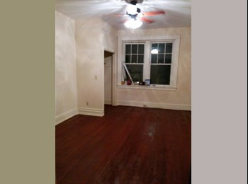 EasyRoommate US - Downtown Townhouse in Olde Town - Augusta, Augusta - $450 pcm
