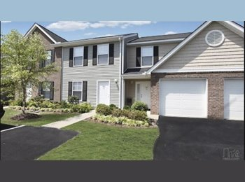 EasyRoommate US - Available private bed and full bath - Fayetteville, Fayetteville - $360 /mo