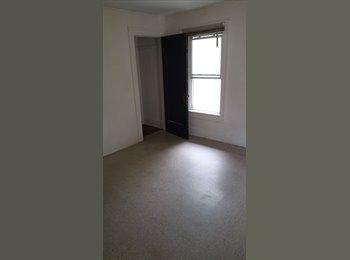 EasyRoommate US - Rooms for rent - Pontiac/Auburn Hls/Bloomfd Twp, Detroit Area - $300 pcm