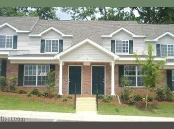 EasyRoommate US - 1/1 in 3/3 townhouse - Tallahassee, Tallahassee - $300 pcm