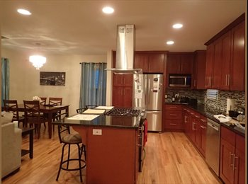 EasyRoommate US - Room with private bath and shared office for rent! - Downtown - Alamo Heights, San Antonio - $600 pcm
