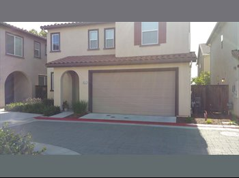 EasyRoommate US - 2 rooms 4 rent in spacious Elk Grove home - Elk Grove, Sacramento Area - $500 pcm